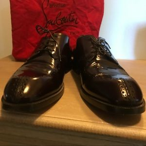 $995 Christian Louboutin Round-Toe Derby Red